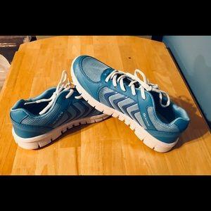 New Qixing Ladies Tennis Shoes 10 Ultra Lite